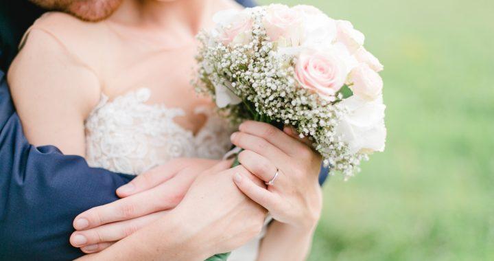 Comment organiser un beau mariage champêtre ?