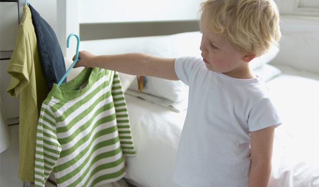 Inciter l'enfant à choisir ses vêtements pour l'Aïd et tous les jours
